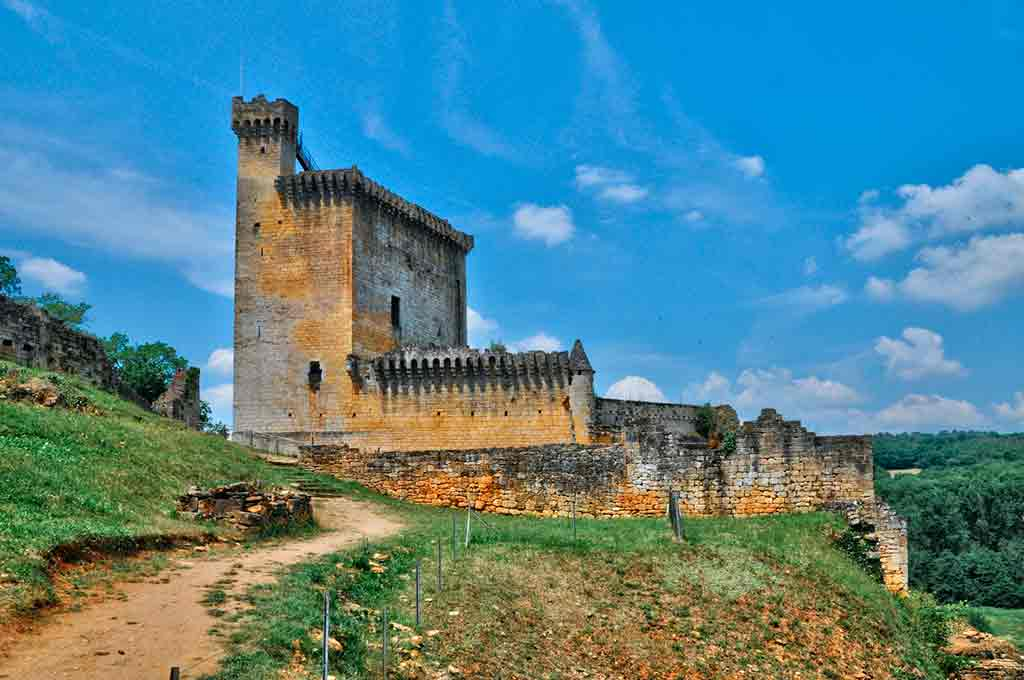 Famous Castles in Southern France-Castle-Commarque