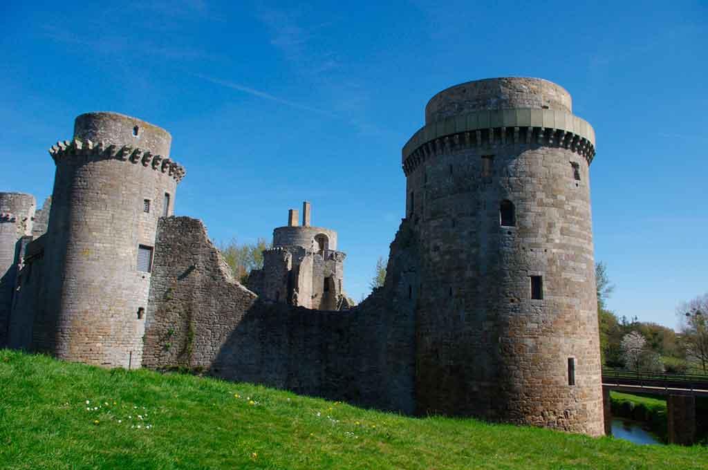 Best castles in Northern France-Castle-Hunaudaye