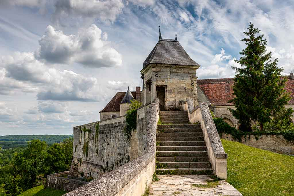 Castles in Northern France-Castle-of-Coucy