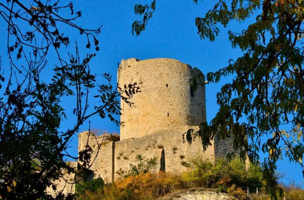 Famous Castles in Northern France-Castle-of-La-Roche-Guyon