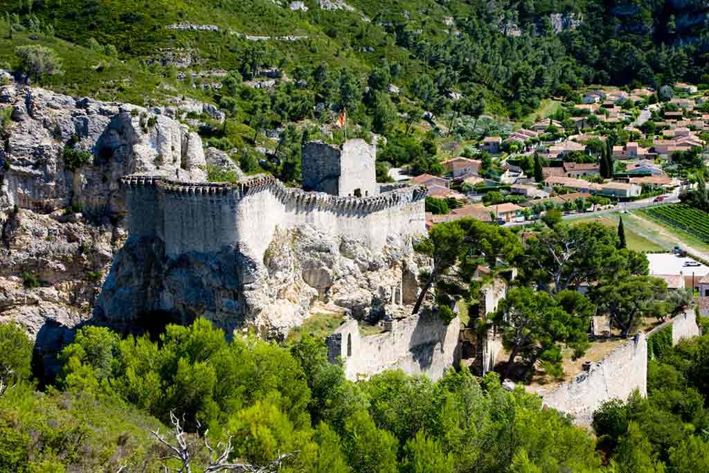 Best castles in Southern France-Château-de-Boulbon
