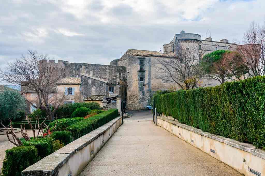 Famous Castles in Southern France-Château-de-Gordes
