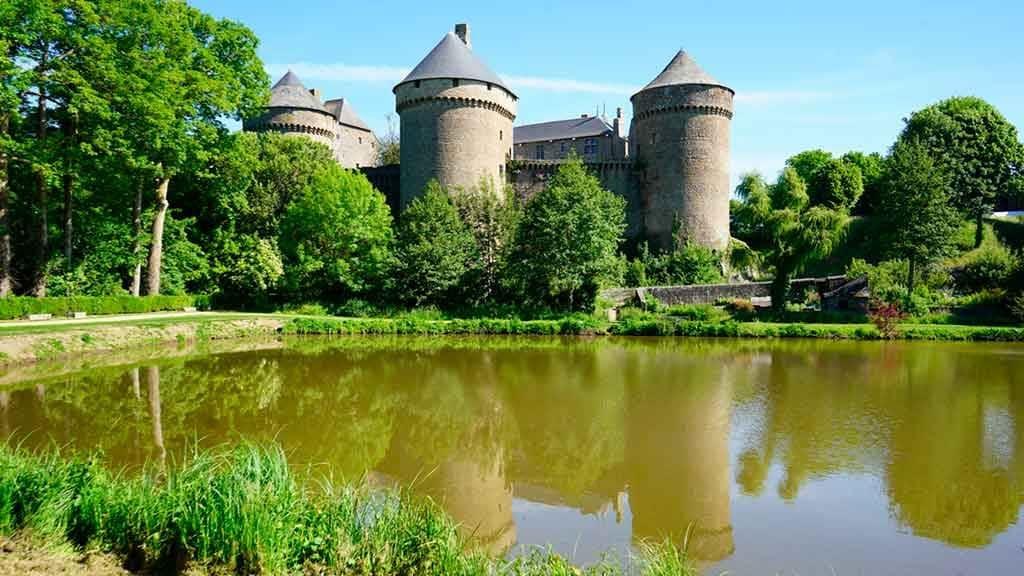 Best castles in Northern France-Château-de-Lassay