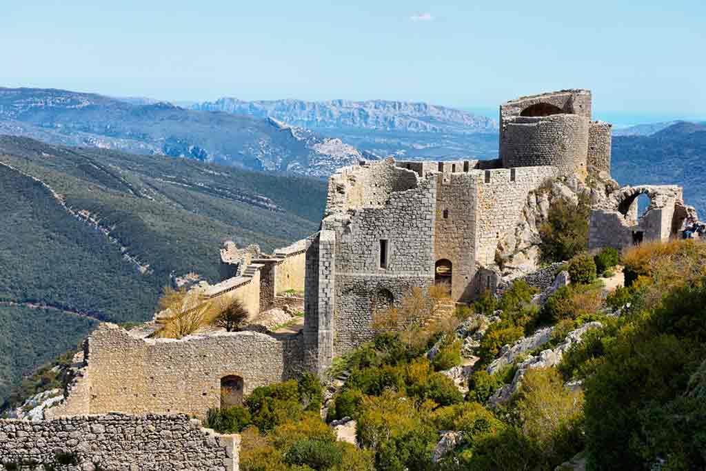 Famous Castles in Southern France-Château-de-Peyrepertuse