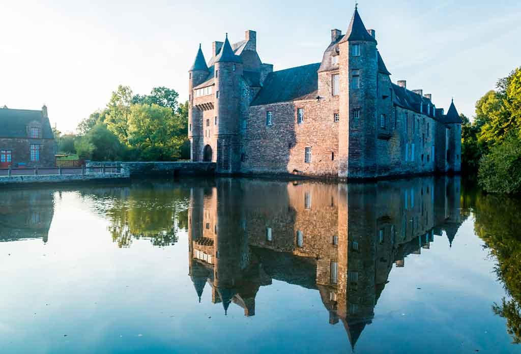 Best Northern French CastlesChâteau-de-Trécesson