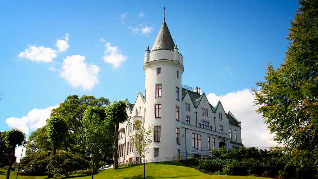 Best castles in Norway-Gamlehaugen
