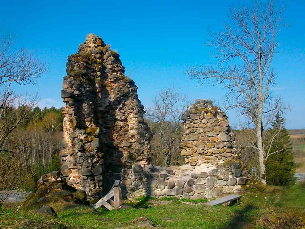 Castles in Estonia-Helme-Castle