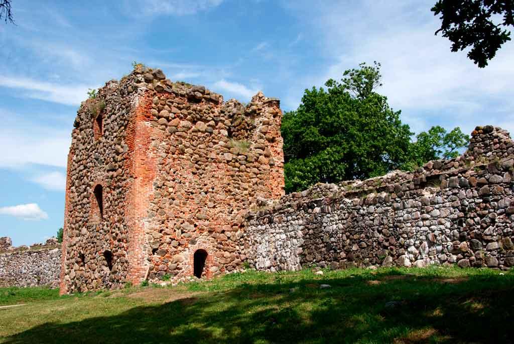 Best castles in Estonia-Karksi-Castle
