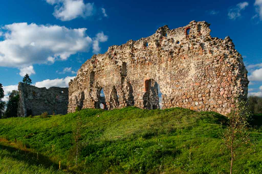 Famous Castles in Estonia-Laiuse-Castle