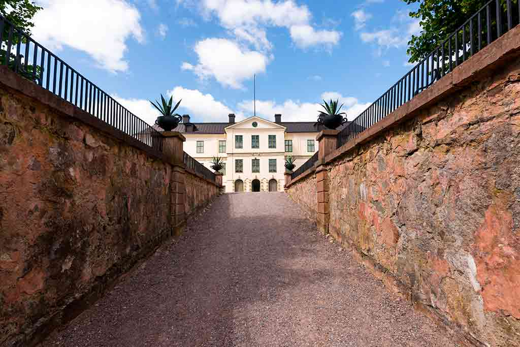 Swiss Castles-Lofstad-castle