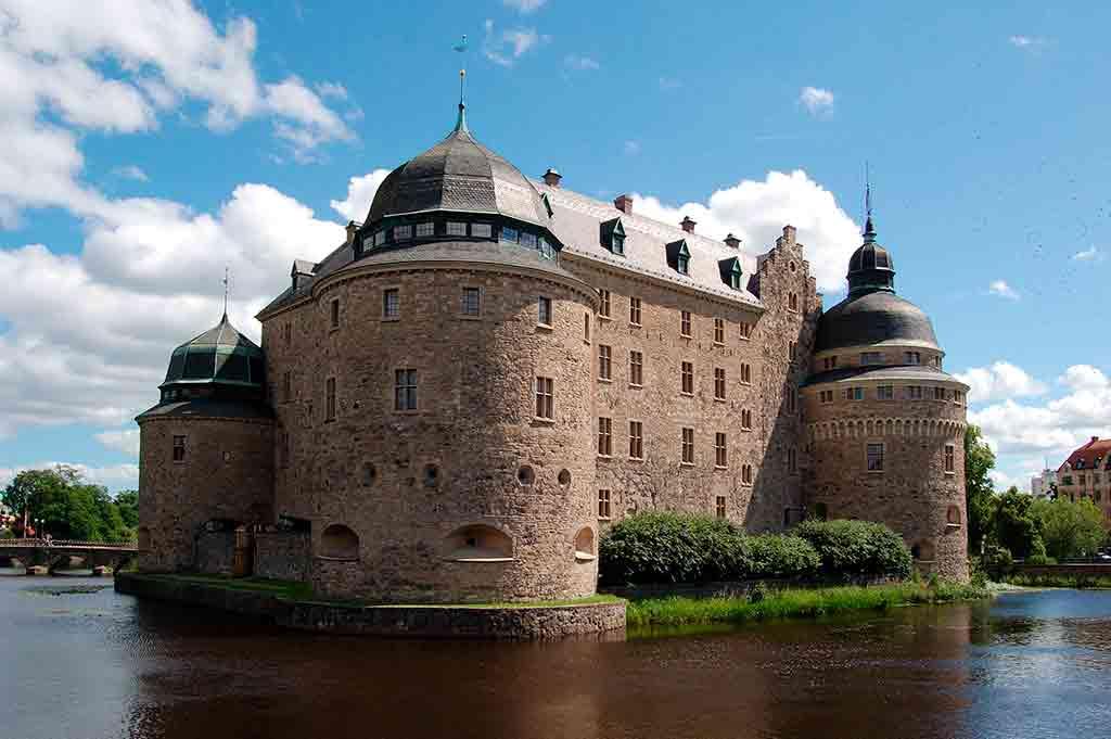 Famous Castles in Sweden-Orebro-castle