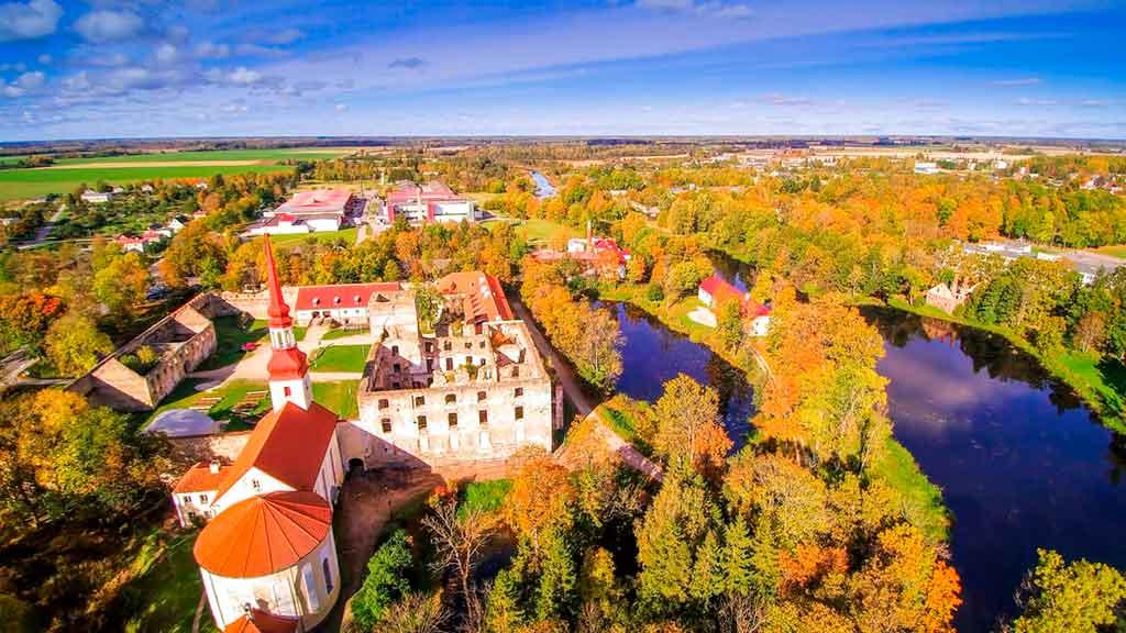 Best castles in Estonia-Põltsamaa-Castle