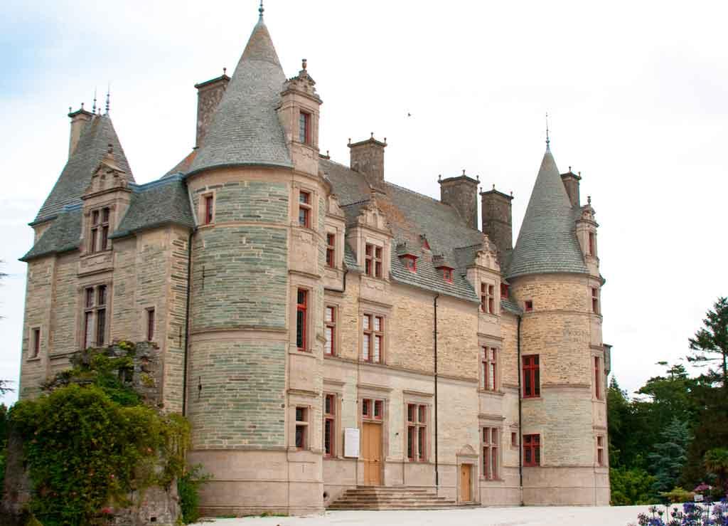 Famous Castles in Northern France-Ravalet-Castle