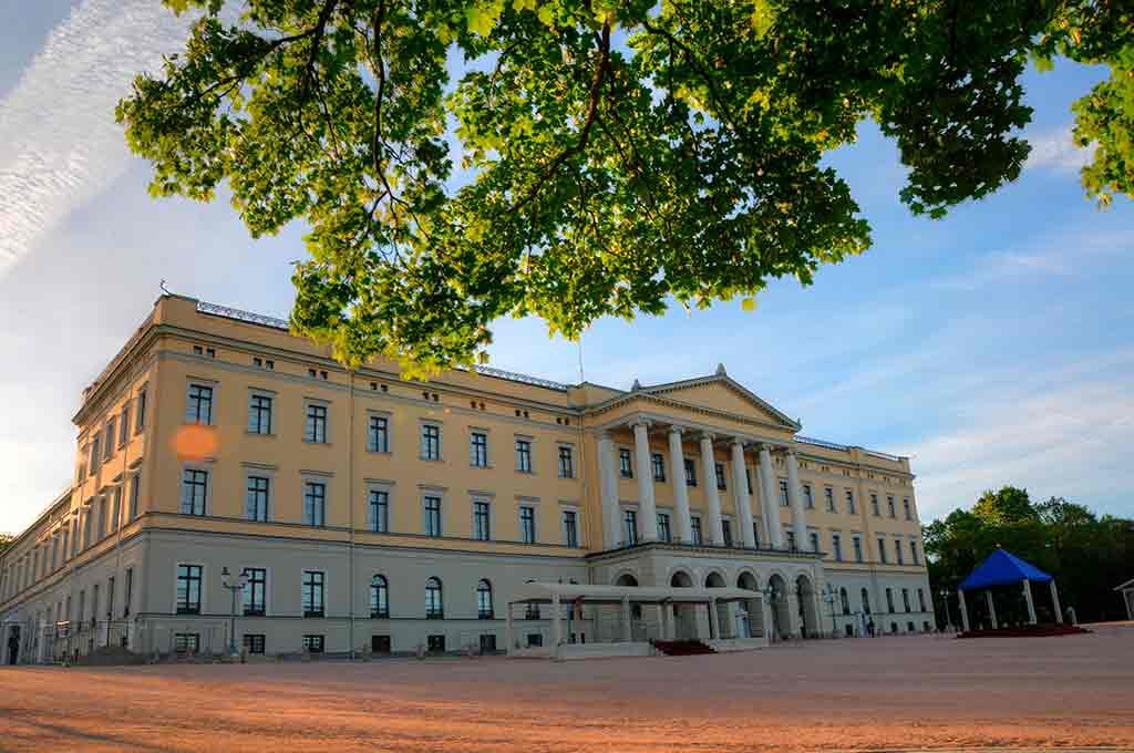 Castles in Norway-Royal-Palace-of-Oslo