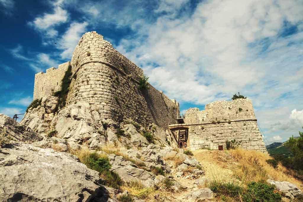 Famous Castles in Croatia-Stari-Grad-fortress