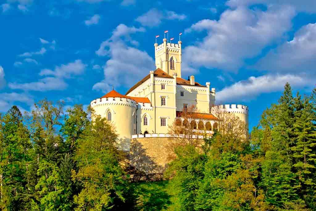Best castles in Croatia-Trakoscan-Castle