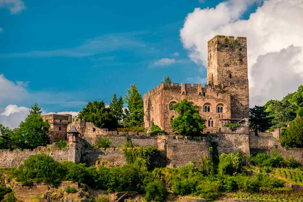 Best castles in Rhine-Gutenfels-Castle