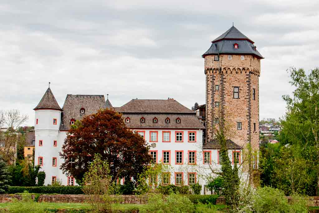 Best castles in Rhine-Martinsburg-Castle