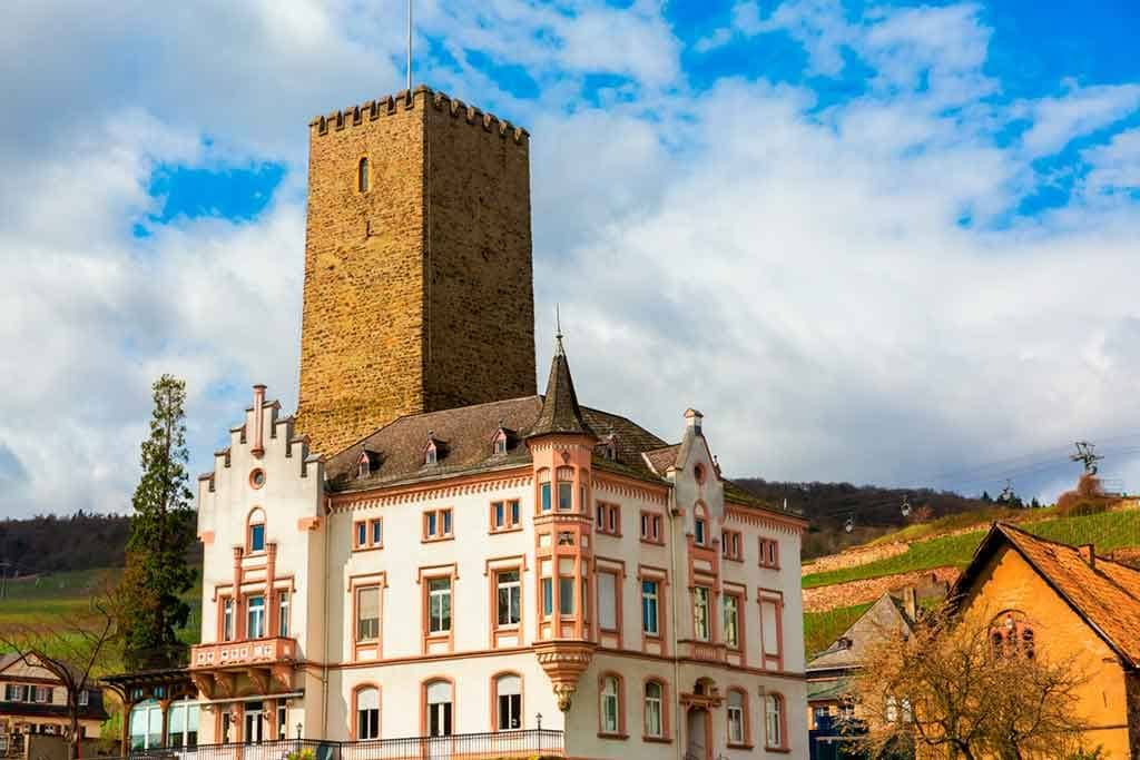 Castles in Rhine-Boosenburg-Castle