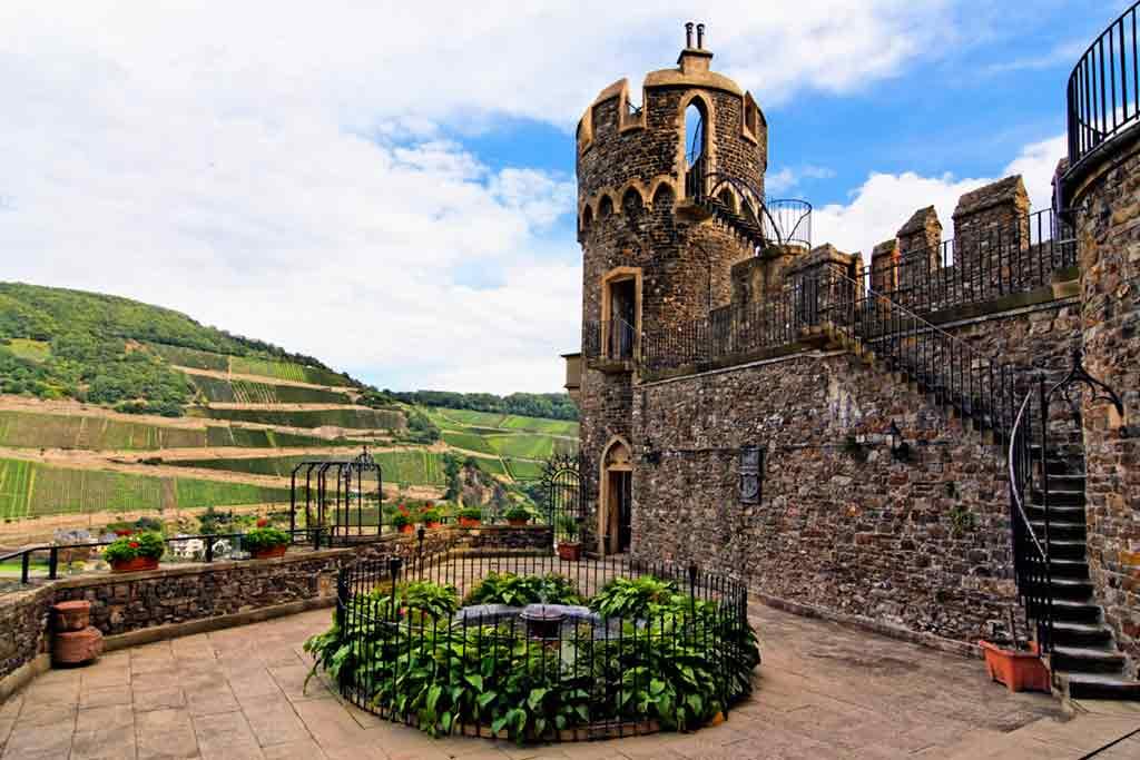 Castles in Rhine-Rheinstein-Castle