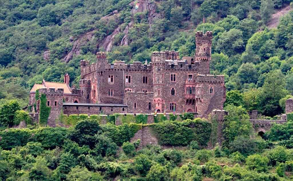 Best castles in Rhine-Reichenstein-Castle