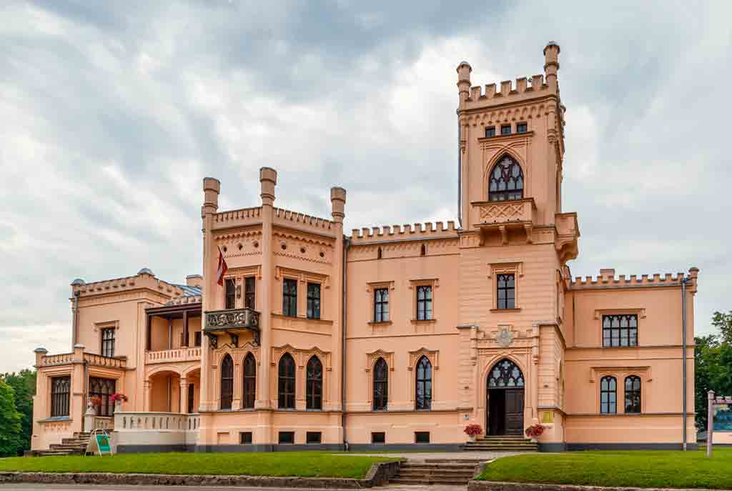 Castles in Latvia-Alūksne