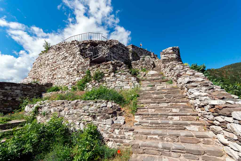 Best castles in Bulgaria-Asen's-Fortress-Castle