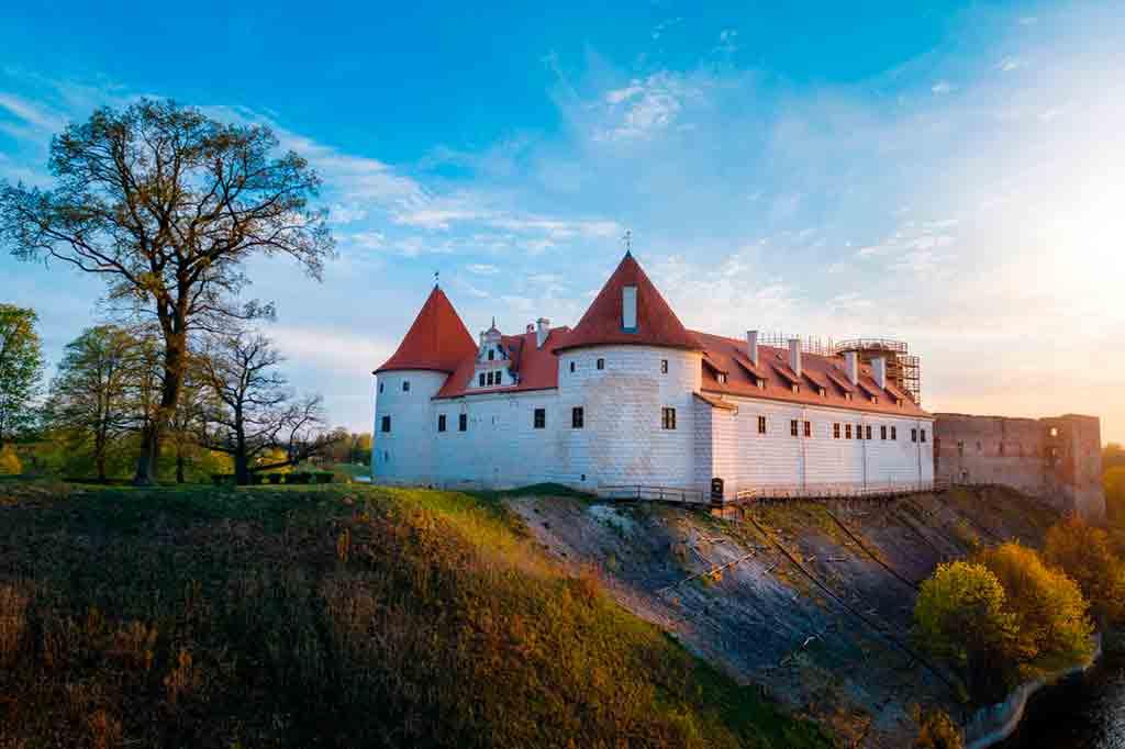 Best Latvian Castles-Bauska-Castle