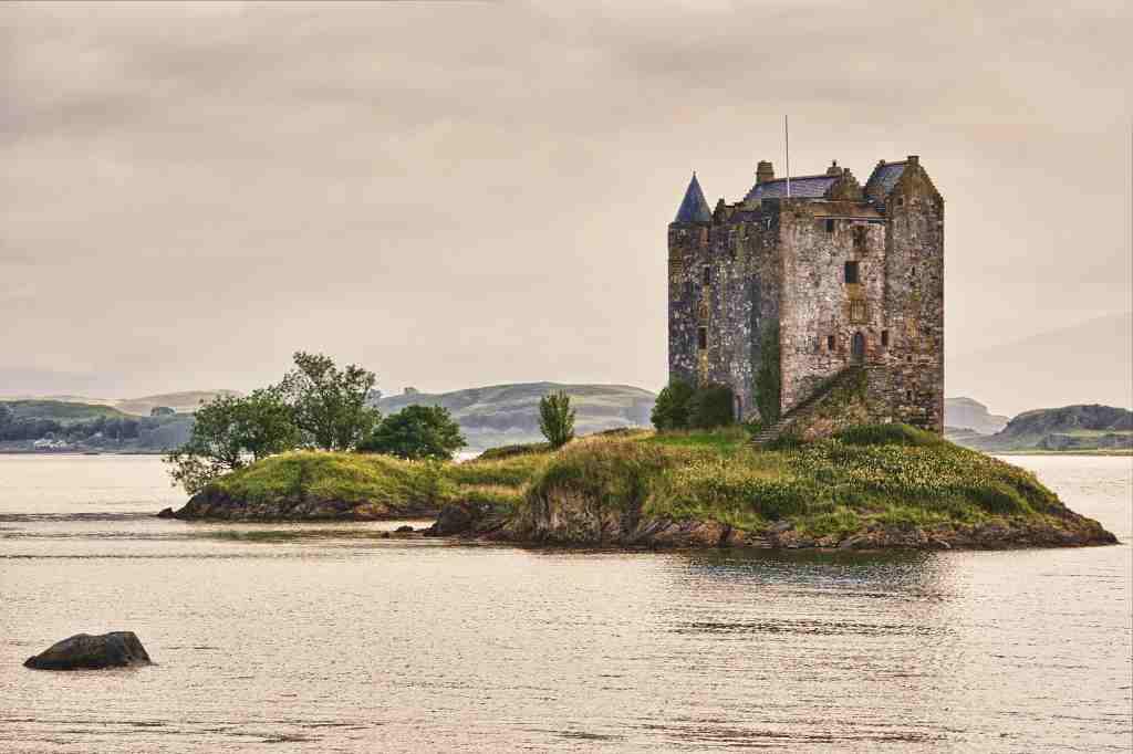 best castles near Obean Stalker Castle