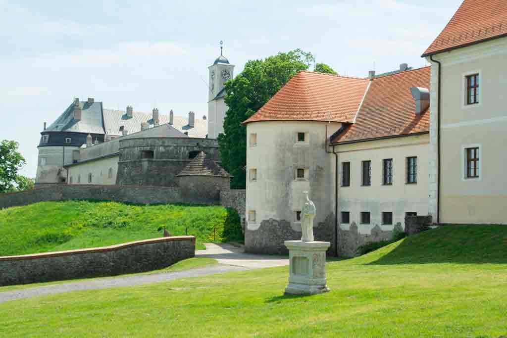 Famous Castles in Slovakia-Cerveny-Kamen