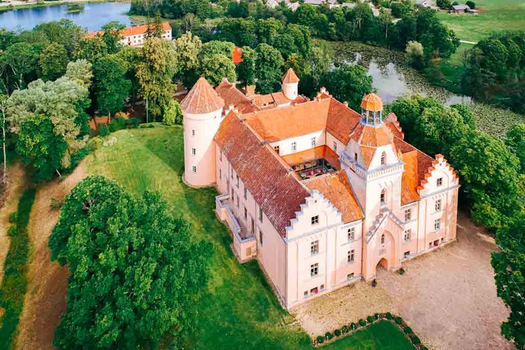 Castles in Latvia-Edole-Castle