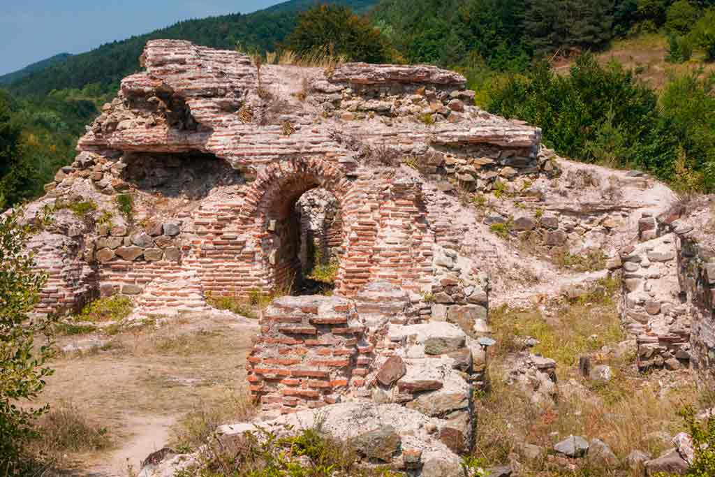 Castles in Bulgaria-Gate-of-Trajan-Castle