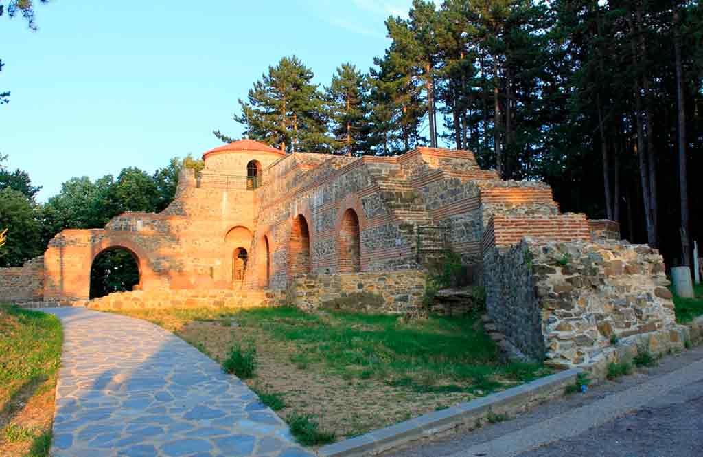 Best castles in Bulgaria-Hisarlaka-Castle