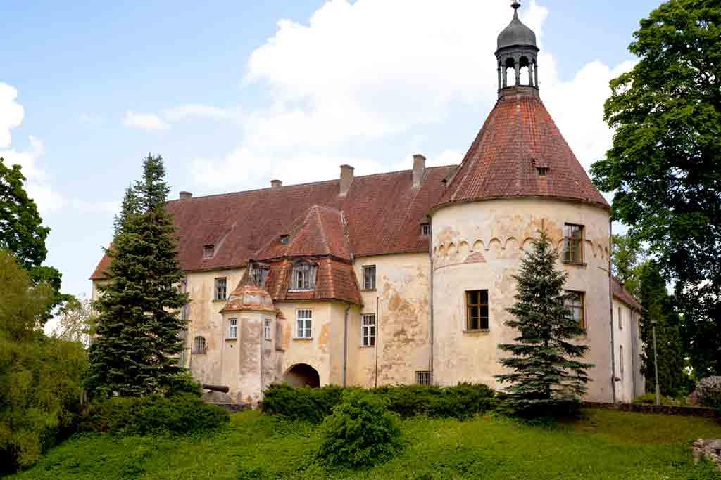 Best castles in Latvia-Jaunpils-Castle