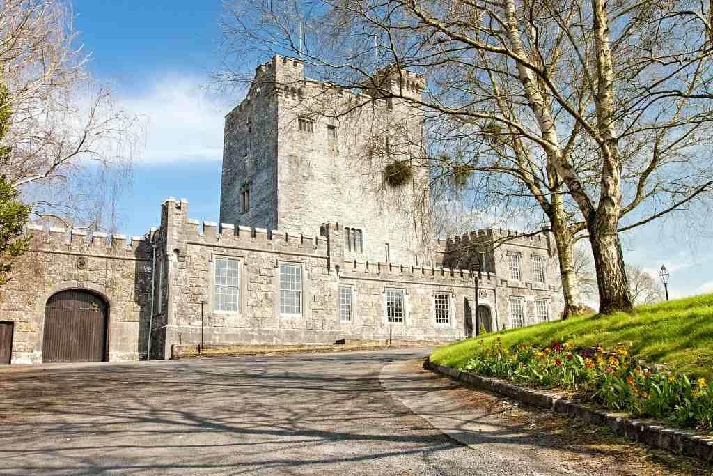 Knappogue Castle guide