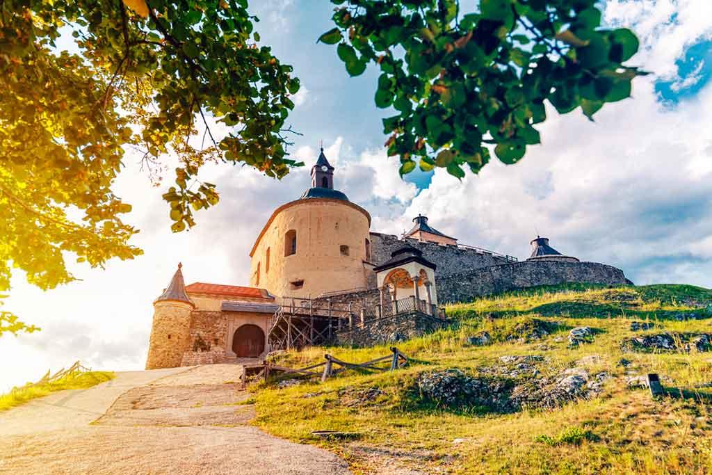 Famous Castles in Slovakia-Krásna-Hôrka-Castle