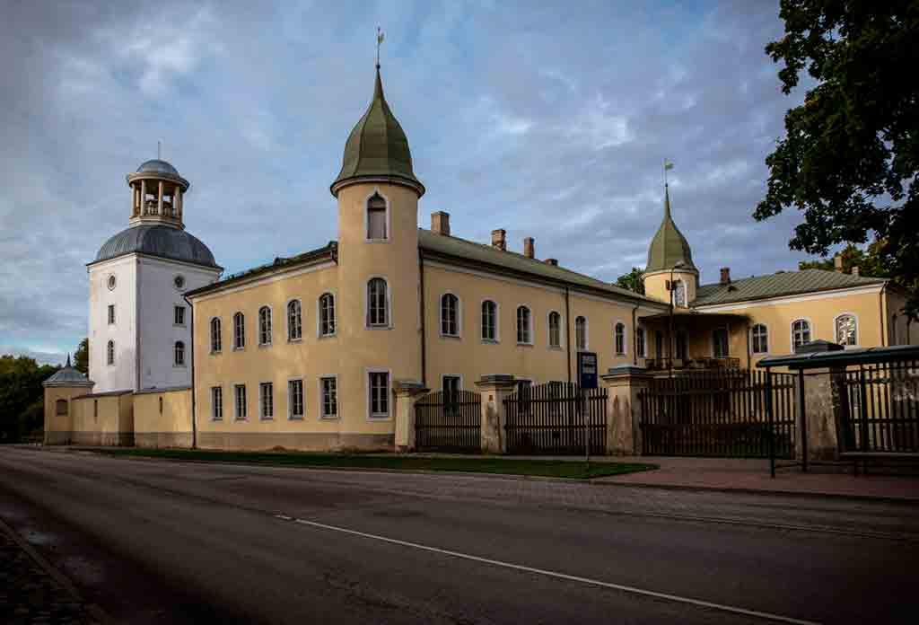 Famous Castles in Latvia-Krustpils-Castle