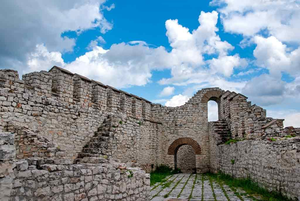 Best Bulgarian Castles-Lovech-fortress-Castle