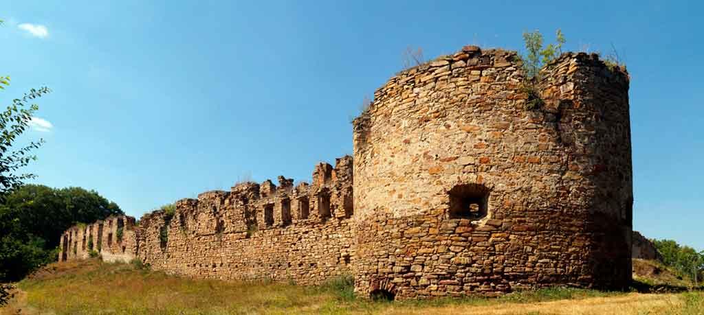 Famous Castles in Ukraine-Mykulyntsi-Castle