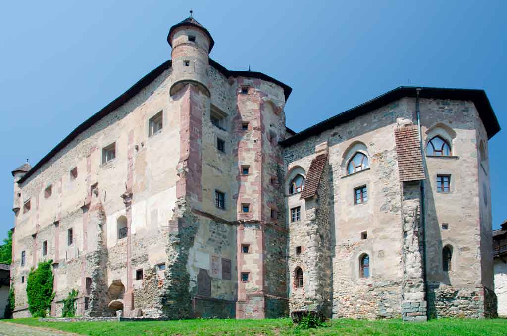 Slovakian Castles-Old-Castle-Banska-Stiavnica'