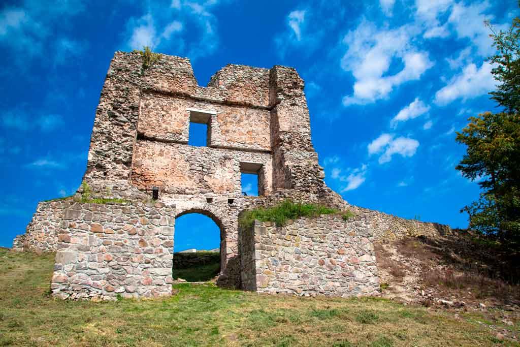 Best Slovakian Castles-Pusty-Hrad