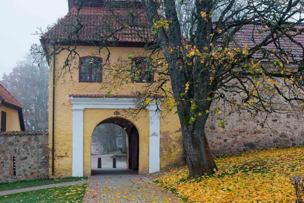 Castles in Latvia-Šlokenbeka-Castle