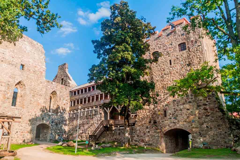 Best castles in Latvia-Sigulda-Castle