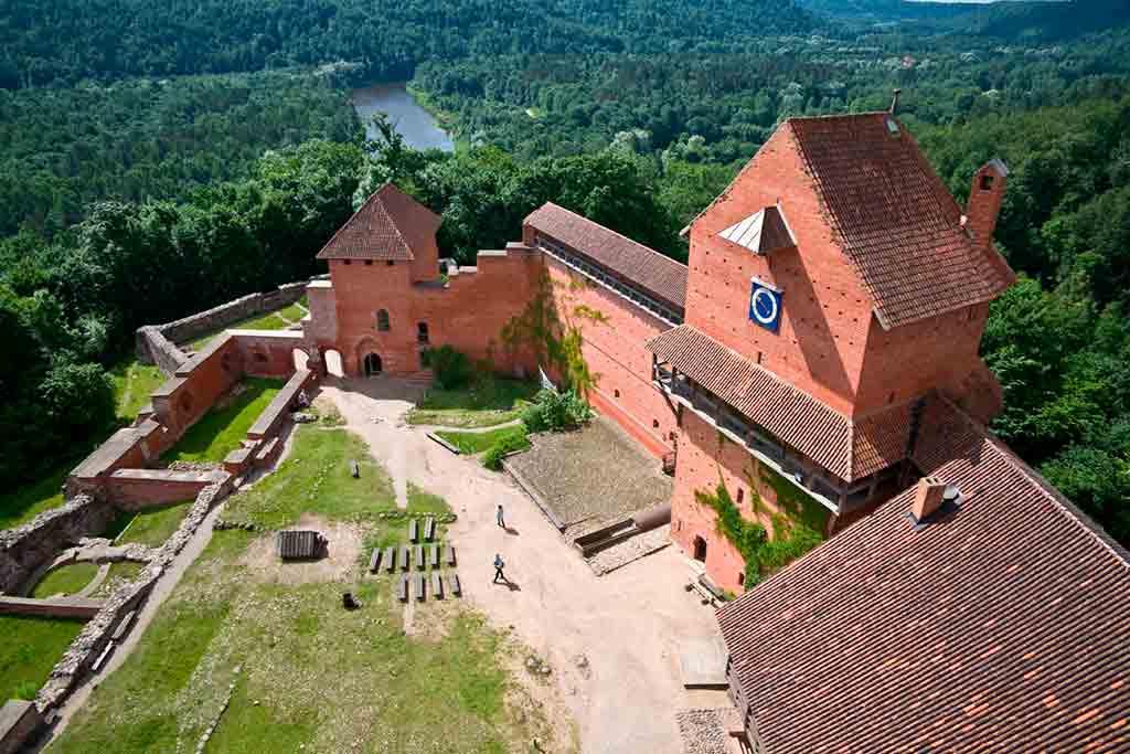 Latvian Castles-Turaida-Castle