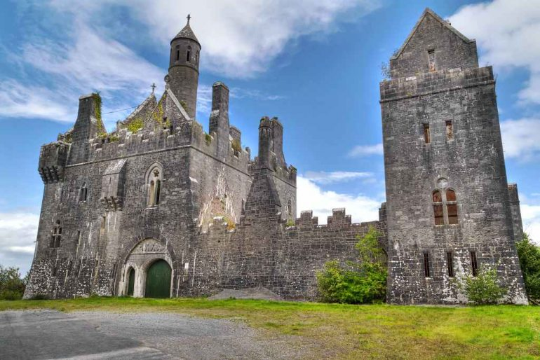Dromore-Castle in Kerry