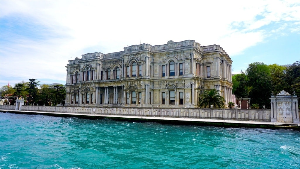 Beylerbeyi Palace - Best Palaces in Istanbul